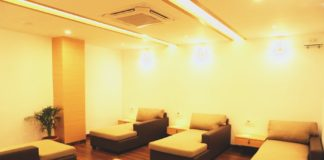 Freshup Poshtel Luxury Hostel in India