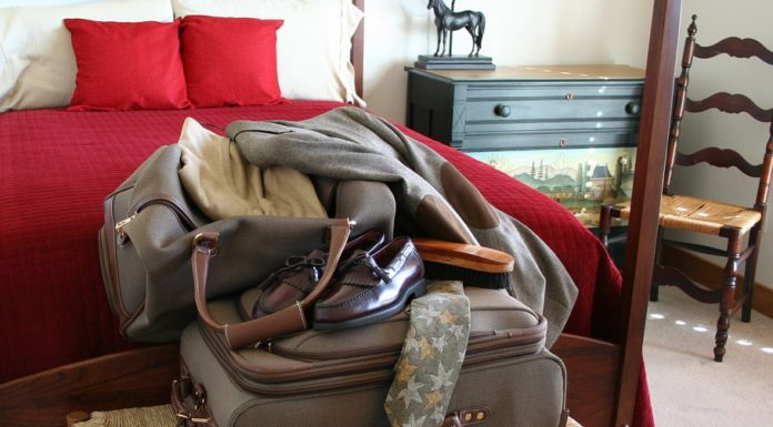 TRAVEL TIPS AND HACKS FOR BUSINESS TRAVELERS